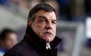 Sam Allardyce contests charge over referee complaint