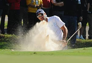 Quiros leads, McIlroy struggles in Hong Kong Open
