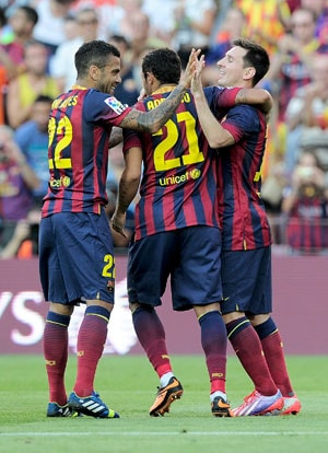 Magnificent seven for Barcelona in La Liga opener, Real Madrid leave it late