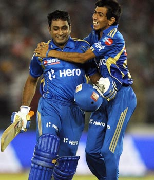 IPL 5: Brave Mumbai beat Punjab in their den
