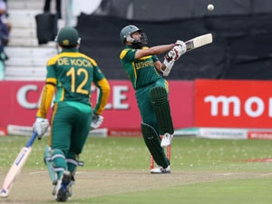 2nd ODI: Hashim Amla, Quinton de Kock hit tons, South African pacers destroy India to win series