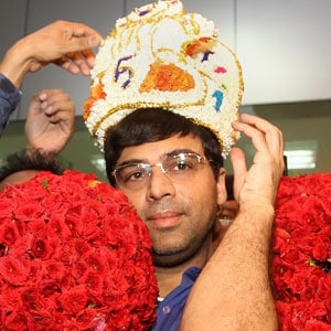 Chennai gives Viswanathan Anand a hero's welcome
