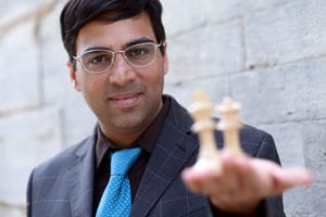Viswanathan Anand Beats Vallejo Pons to Stay Ahead in Final Masters
