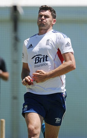 The Ashes: England bowling coach David Saker backs James Anderson