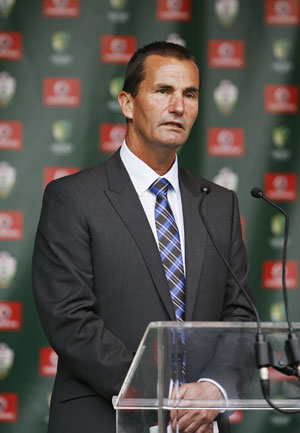Australia remove Hilditch, Chappell from selection panel