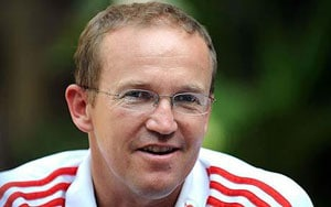 The Ashes: Andy Flower defends Stuart Broad; laughs off suggestion of England's dominance