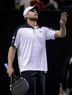 Roddick ousted from SAP Open by Istomin
