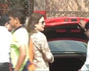 Anjali, Arjun relish Sachin Tendulkar's outing at Eden Gardens