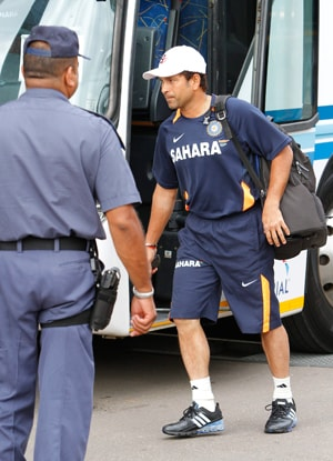 India, Australia teams arrive in Hyderabad for 2nd Test