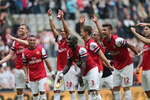 Arsenal seal Champions League berth, Alex Ferguson bows out
