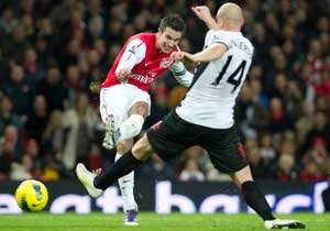 Arsenal rally to draw with Fulham 1-1