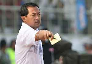 Indonesia considers appealing FIFA coach suspension