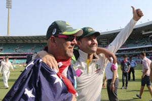 Australian Prime Minister Tony Abbott congratulates team for Ashes clean sweep