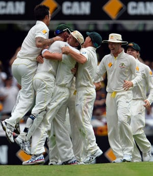The Ashes: Media hail 'high and mighty' Australia