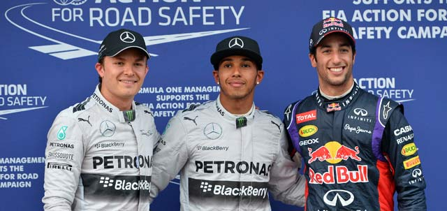 Australian F1: Lewis Hamilton takes pole as Sebastian Vettel flops