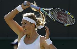 Wimbledon: Victoria Azarenka eases into 3rd round