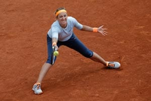 Victoria Azarenka through, no sister act for Radwanska
