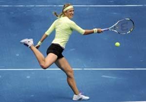 Madrid Open: Sharapova, Azarenka advance