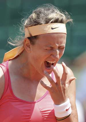 Top seed Azarenka survives French Open scare