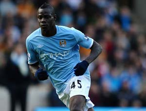 Roberto Mancini denies bust-up with Balotelli