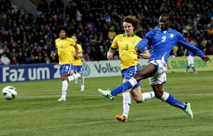Balotelli levels as Italy draw 2-2 against Brazil in friendly
