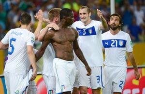 Italy coach Cesare Prandelli blasts 'silly' Mario Balotelli