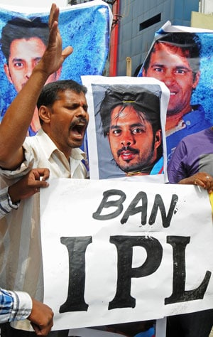 IPL 7: Nine held in Kolkata for alleged betting