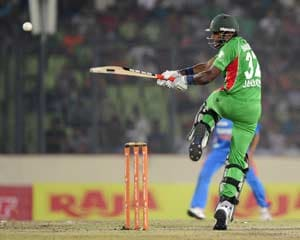 Bangladesh beat India by 5 wickets despite Sachin's record century