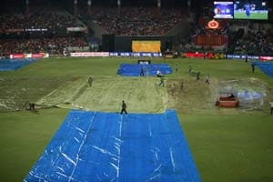 IPL 5: Bangalore's match against Chennai washed out