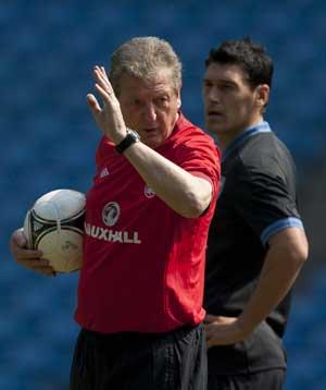 Gareth Barry injury clouds Hodgson's winning start