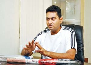 Pakistan's Indian coach stopped from travelling to Karachi