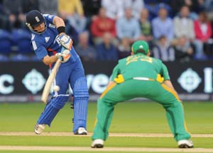 Bell shines but rain washes out 1st ODI vs South Africa
