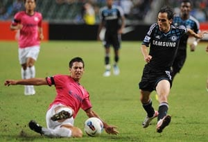 Chelsea muscle past Kitchee in Hong Kong