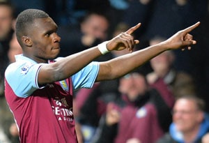 Aston Villa's Christian Benteke signs new deal to end exit talk