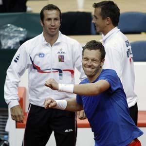 Czech Republic beat Serbia 4-1 to reach Davis Cup semis