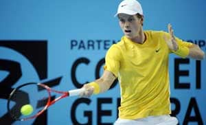 Berdych outlasts Murray in Paris marathon