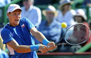 Berdych leads Czechs into Davis Cup final