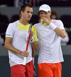 Davis Cup: Czechs win seven-hour epic vs Switzerland, Spain hang on