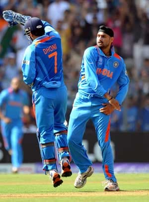 Brilliant show by Harbhajan Singh under current circumstances: Dhoni