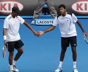 Bopanna-Bhupathi in quarters of Madrid Open