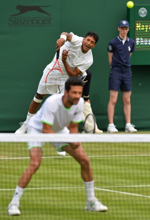 Wimbledon 2013: Mahesh Bhupathi-Julian Knowle advance to second round