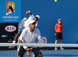 Australian Open: Mahesh Bhupathi, Yuki Bhambri win doubles openers, Divij Sharan ousted