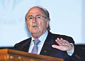 Blatter arrives in Bangladesh to meet officials