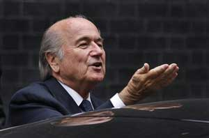 Sepp Blatter to speak with Cuba after 3 players defect