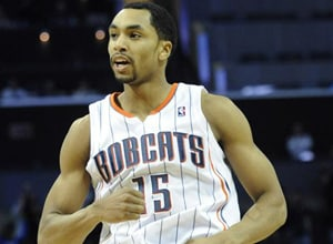 Bobcats Henderson out after re-aggravating back