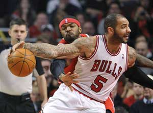 Boozer helps Bulls dominate Bucks in 110-91 win