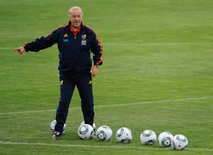 Spain coach Vicente del Bosque cools talk of return to Real Madrid