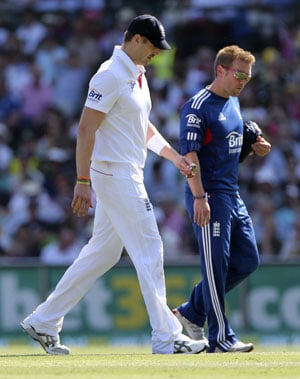 Ashes: England's Boyd Rankin limps away on Test debut
