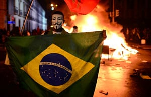 David Luiz, Dani Alves, Hulk voice support for protesters in Brazil