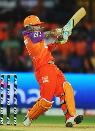 Kochi knock the wind out of Dhoni's men